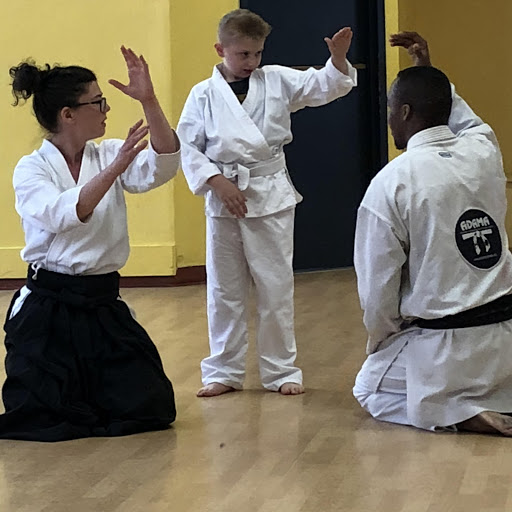 Self-defense: karate and Brazilian jiu-jitsu techniques, for all!